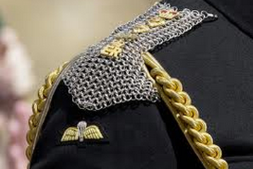 chain mail epaulettes