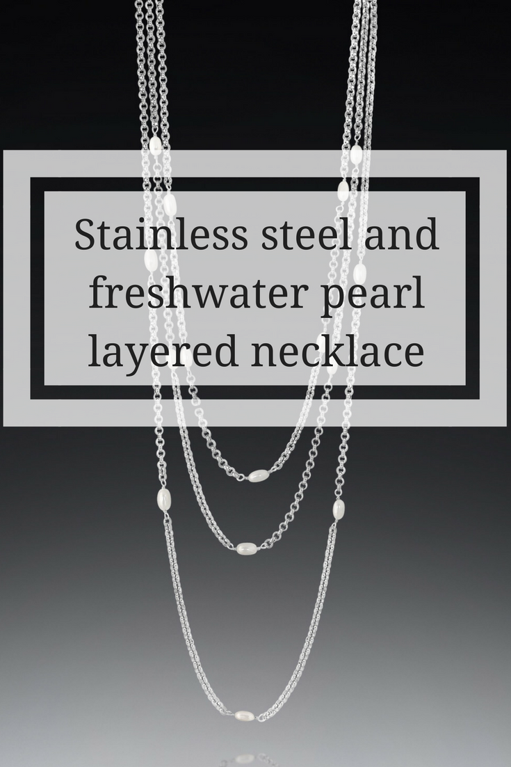 Stainless steel and pearl layered necklaces set